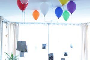 Viste que fácil: Celebra con estos globos porta fotos