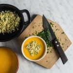 Sopa de Zanahoria con Mote Cremoso