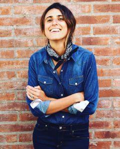 Las diez preguntas de Juana a Gapsi Pizzoleo, Miss little touch